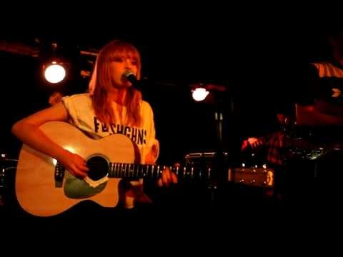 Lucy Rose - First (live at Manchester Ruby Lounge, 8th Aug 2011) [3/9]