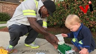 This Special Bond Between Sanitation Worker And Baby Will Melt Your Heart