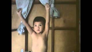 3 year old baby Dancing wobble