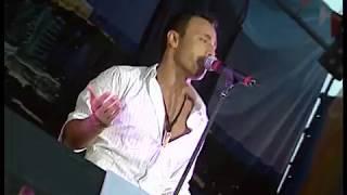 Mustafa Sandal Moskova'da Verdiği Konserle Hayranlarını Çoşturdu