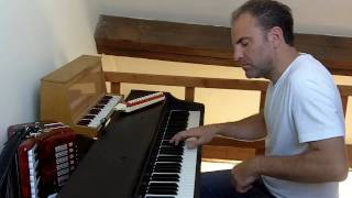 Le Moulin (Amélie). Tiersen. Live version melodica + piano