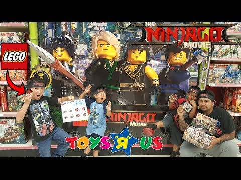 FREE LEGOS!! TOYSRUS Lego Ninjago Movie Build Event!! Opening Entire Set Of Mystery 20 Minifigures!