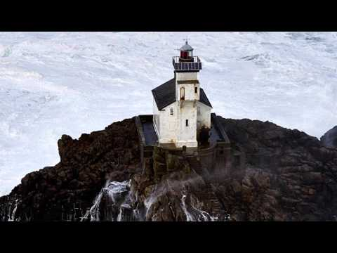 Man to Spend 60 Days Alone in Haunted Lighthouse