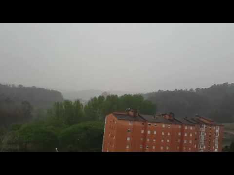 Impactante vídeo de la caída de un rayo en Xove