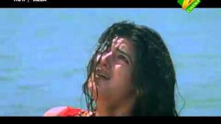 Twinkle khanna Massive cleavage show   YouTube