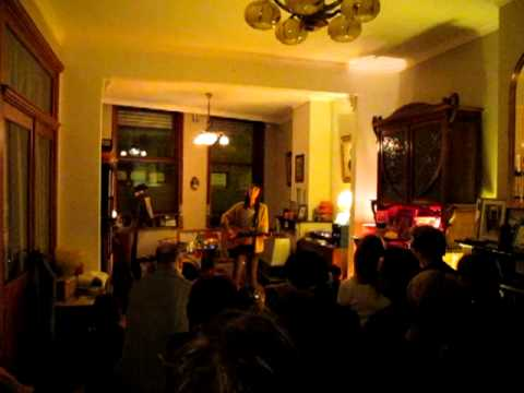 Things Between People - Holly Throsby (B-Tuned Concerts, Gent - Belgium 15/02/2012)