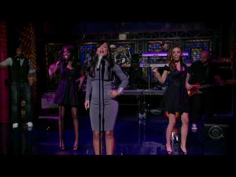 Alicia Keys - Teenage Love Affair - Late Show With David Letterman
