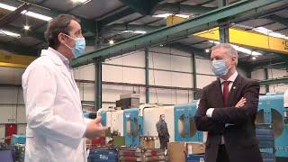Urkullu visita empresa que producirá 42.000 mascarillas por hora