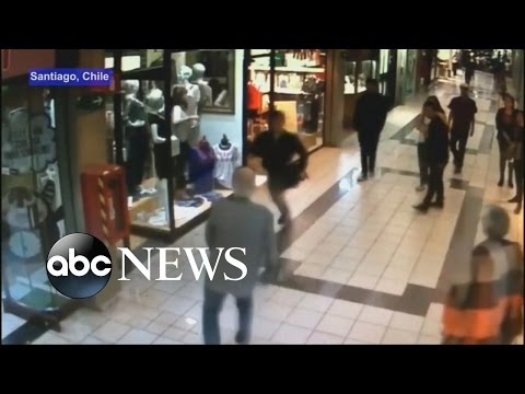 84-Year-Old Man Trips Would-Be Thief at Mall
