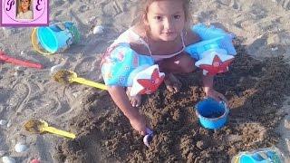 Denize Plaja gittik hava serin yüzmek 🏊 yerine kumda oynadık kale yaptık🎈👌🎈