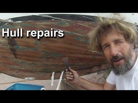 Repairing the hull - Wooden boat restoration - Boat refit - Travels With Geordie #56