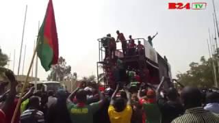 Gambar cover Burkina : Accueil triomphal des Etalons tout en images