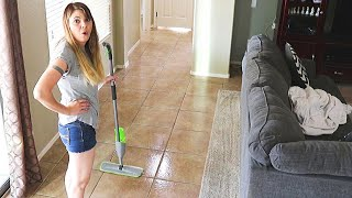 DIRTY FLOOR CLEANING MOTIVATION // CLEANING MOM