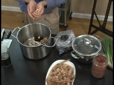 Traditional Chinese Medicine Dietary Therapy : Traditional Chinese Medicine: Herbal Chicken Soup Recipe