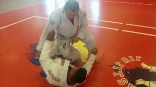 Brazilian Jiu Jitsu - Knee bar from half-guard
