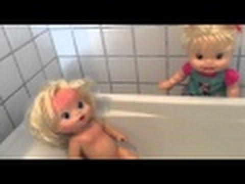 Baby Alive Minha Boneca Hora do banho irmã da Clarinha bagunça com espuma