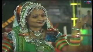 Aabh Ma Ugyo Chhe Chandlo Ne Kayi Garba Ni Ramzat Hoy - Live Garba Song Non Stop For Navratri 2017