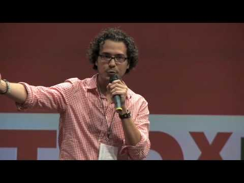 TEDxPuraVida - Hernán Jiménez -  La señal de vaca en nuestra red vial