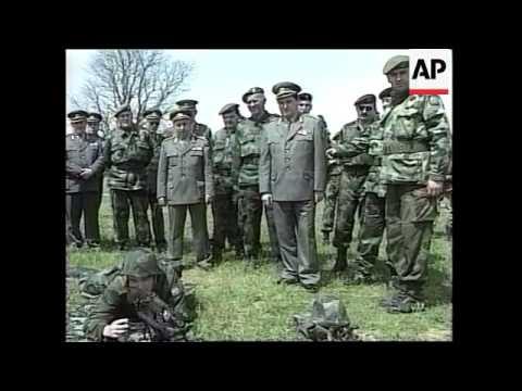 MONTENEGRO: YUGOSLAV ARMY CHIEF PAVKOVIC TOURS TROOPS