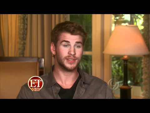 The Hunger Games -Unabridged Segment with Interviews and Behind-the-Scenes [ET 2012-03-14]