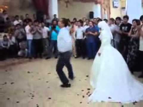 trahnul-devushku-na-svadbe