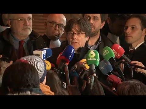 """""""Breves de Bruxelas"""": tribunal belga adia decisão sobre Puigdemont"""