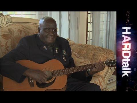 Kenneth Kaunda serenades Zeinab Badawi