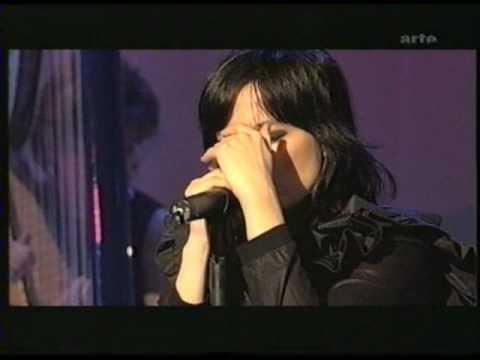 Björk - Pagan Poetry - Live in Hamburg 2002