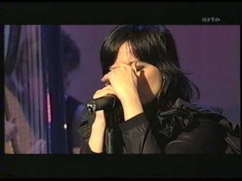 Björk - Pagan Poetry - Live in Hamburg 2002