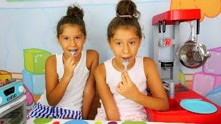 evcilik oyunu kız oyuncakları yemek yapma oyunu pasta ve tavuk pişiriyoruz