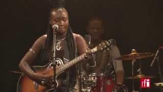 "Marema chante ""Initché"" - Live à Paris (2)"