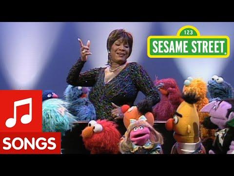 Sesame Street: Patti Labelle Sings The Alphabet