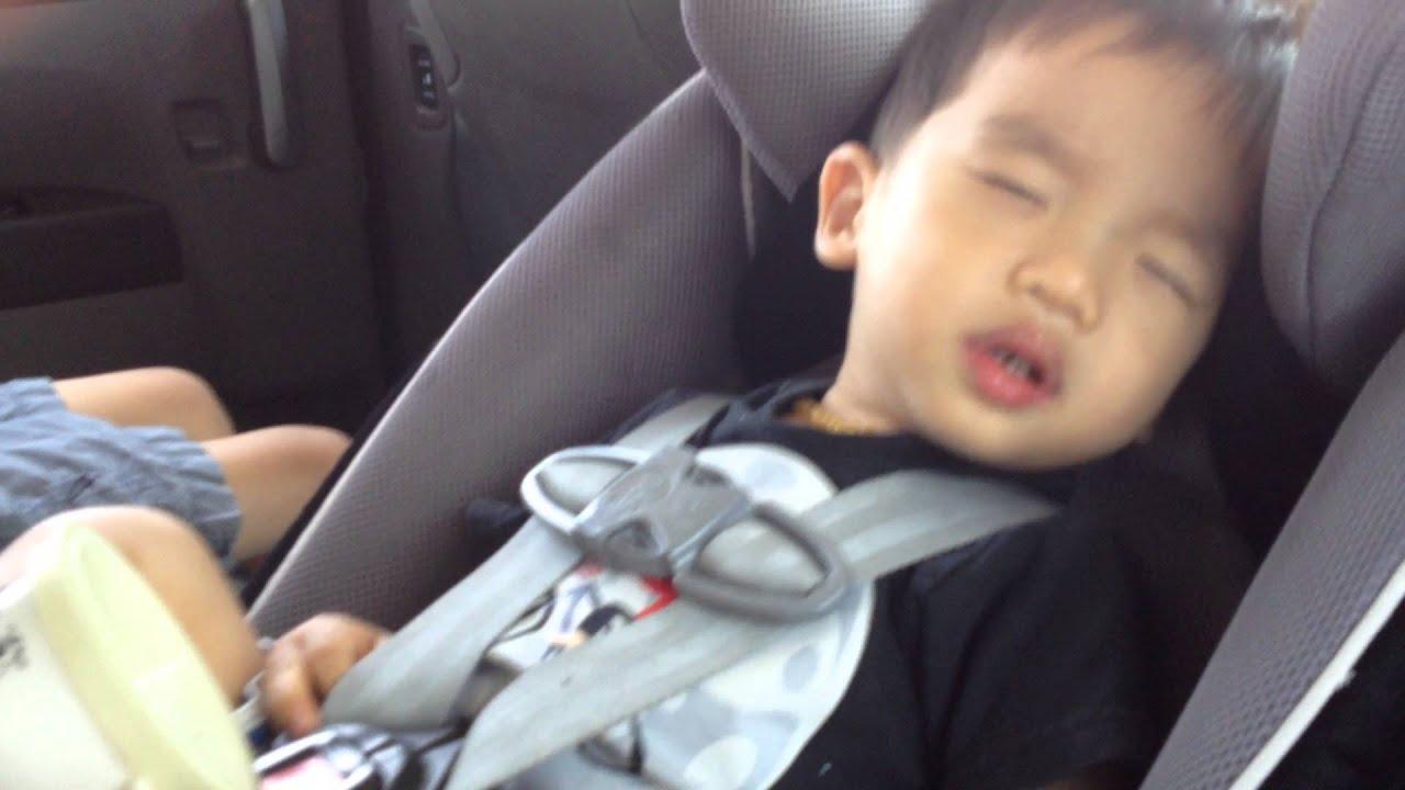 Baby sleeping in car seat - YouTube