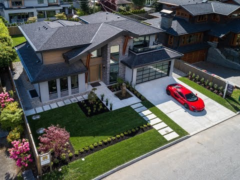 2851 Woodbine Drive // North Vancouver