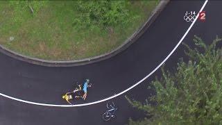 19e étape : Romain Bardet à l'attaque et Chris Froome à terre !