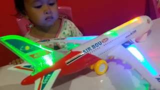 Mainan Pesawat Pesawatan ✈ Air Plane ✈ AIRBUS A380 💖 Let's Play Jessica & Jenica