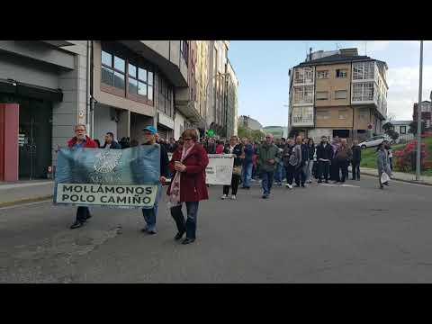Unas 300 personas exigen en Sarria la reapertura de Ponte Ribeira