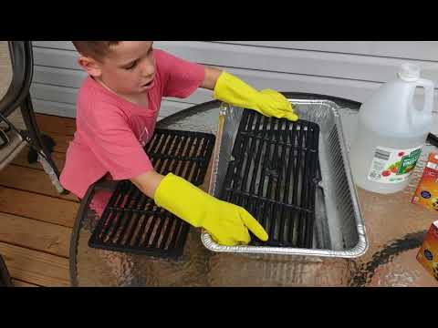 Learn with Noah- Cleaning porcelain grill grates