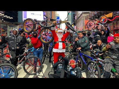 SANTA CLAUS TAKES OVER NYC ON A BMX BIKE! (PT. 3)