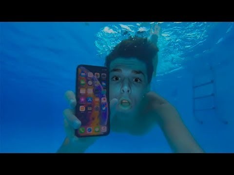 PROVO L'IPHONE XS MAX SOTT'ACQUA!!! (*ho rischiato*)