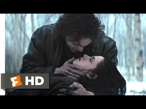 Snow White and the Huntsman (8/10) Movie CLIP - A Poisoned Apple (2012) HD