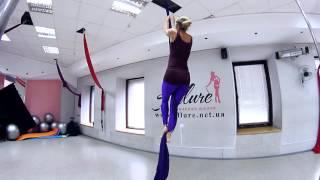 Воздушная гимнастика. Два способа залезть на полотна.