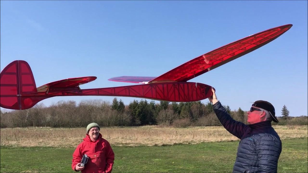 Leprechaun, vintage glider as winterproject