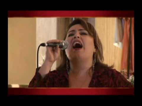 Tributo ao Cristo Rei - Canção Aclamai ao Senhor por Giselle