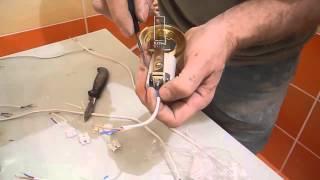 Монтируем подвесной потолок ч.3(В этом видео показано как собрать гирлянду из проводов для подключения светильников,которые будут монтиро..., 2013-12-08T13:53:21.000Z)