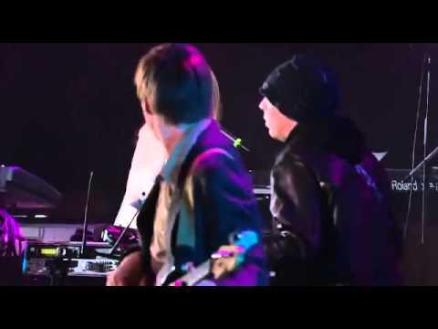 "Grace Potter and Joe Satriani by""MILLENIUM"" jazz rock club"