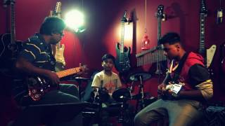 Download Hindi Video Songs - Kaalam Yen Kadhali - Live Selfie Guitar Instrumental by Mackenson