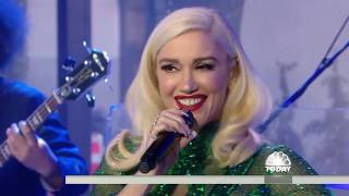 Gwen Stefani Performs ''Jingle Bells'', December 25, 2017