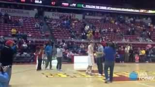 vuclip Basketball player gets engaged on court