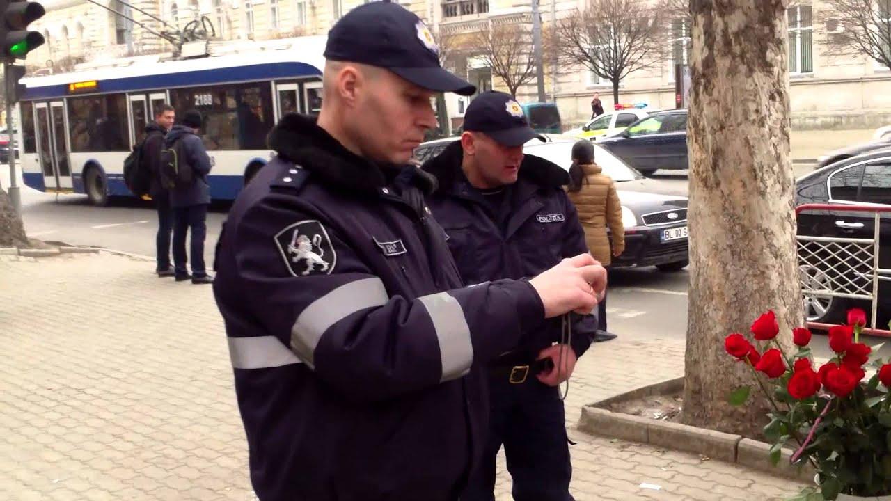 Mafia ghioceilor n-are nicio jenă. 6 polițiști la 2 braconieri!